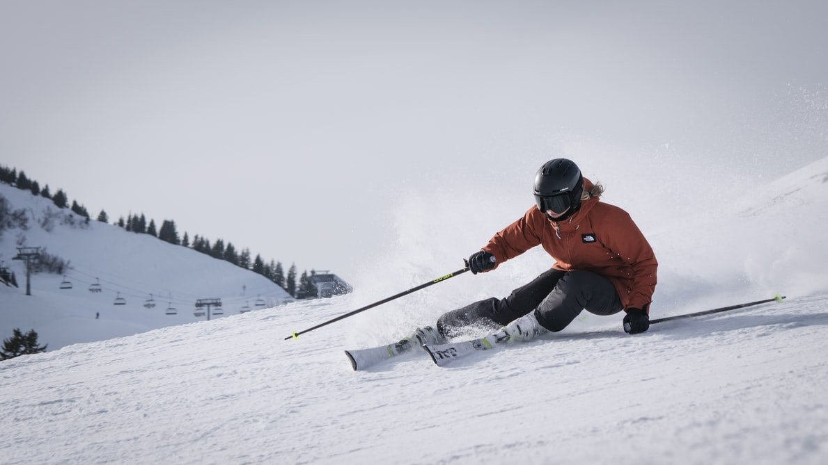 Person skiing down the slops in Lake Tahoe